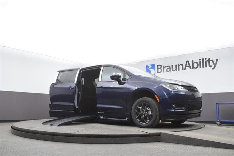 2020 Chrysler Pacifica Touring 6 Engine Van
