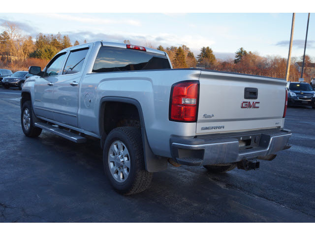 2015 GMC Sierra 2500HD SLT 4X4 Automatic 4 Door
