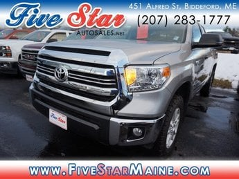 2016 Magnetic Gray Metallic Toyota Tundra SR5 4X4 Truck 4 Door