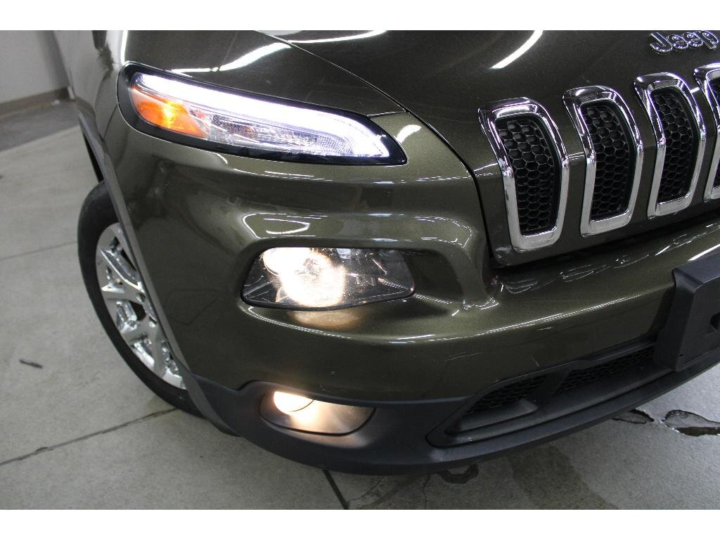 2015 Jeep Cherokee Latitude Automatic FWD 4 Door 3.2 liter V6 Cylinder Engine SUV