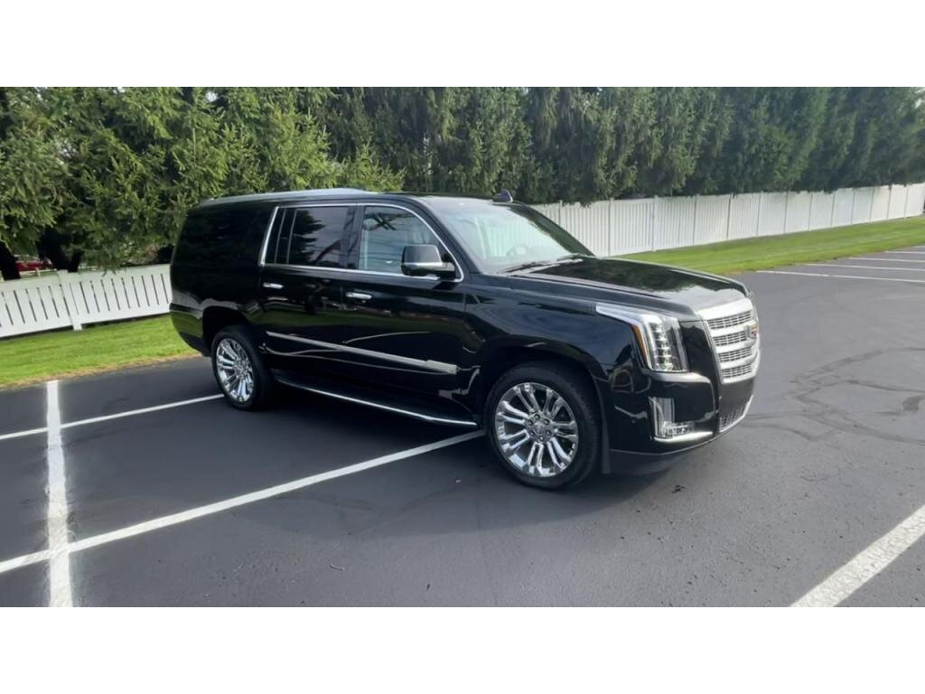 2019 Cadillac Escalade ESV Luxury SUV Automatic 6.2 liter 8 Cylinder Engine 4 Door