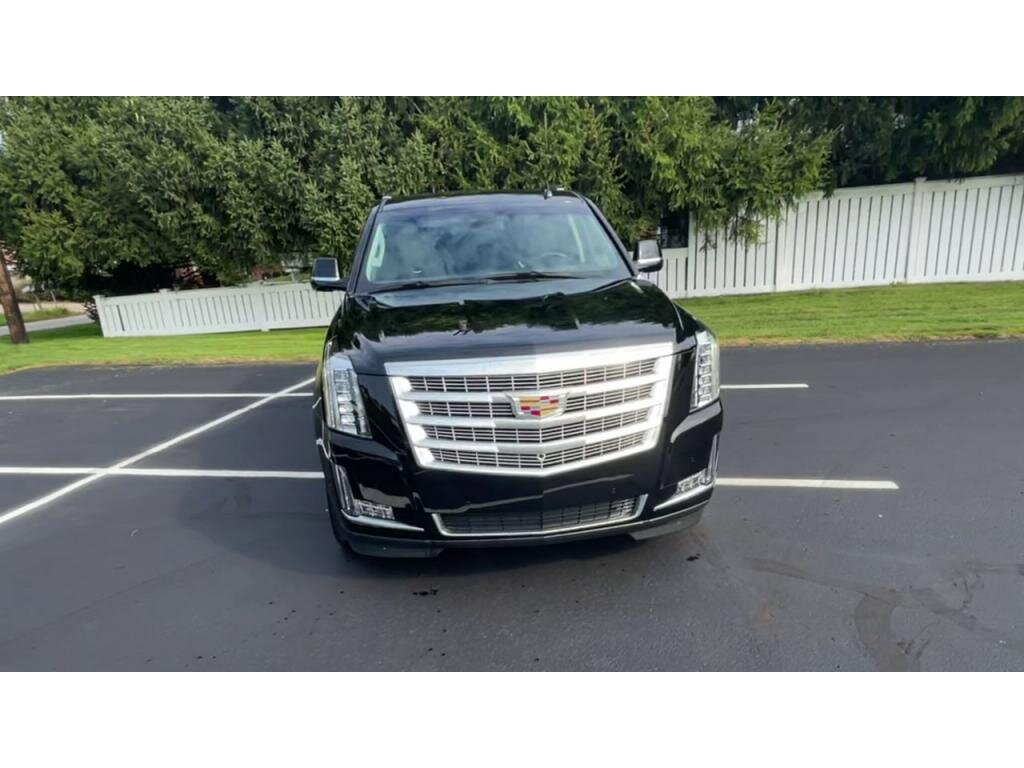 2019 Cadillac Escalade ESV Luxury 4 Door Automatic SUV 4X4 6.2 liter 8 Cylinder Engine