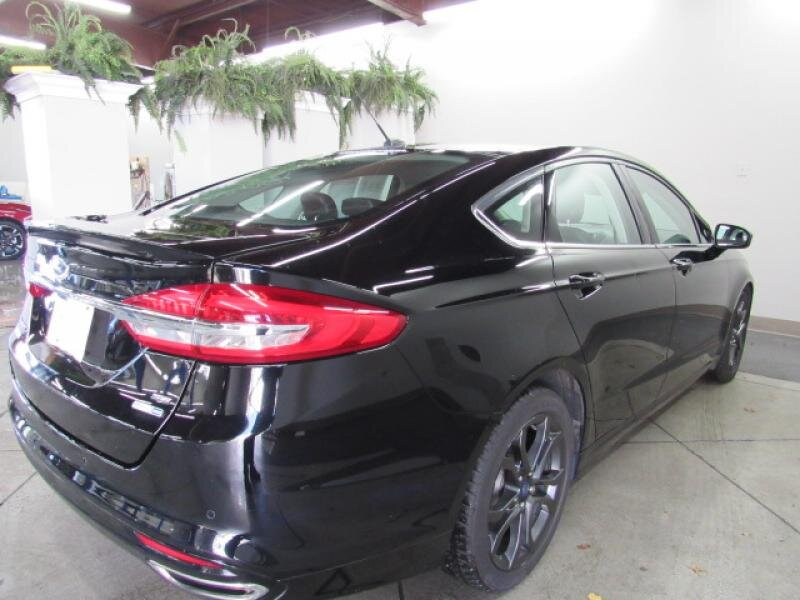 2018 Shadow Black Ford Fusion SE 4 Door Sedan AWD 2.0 liter 4 Cylinder Engine