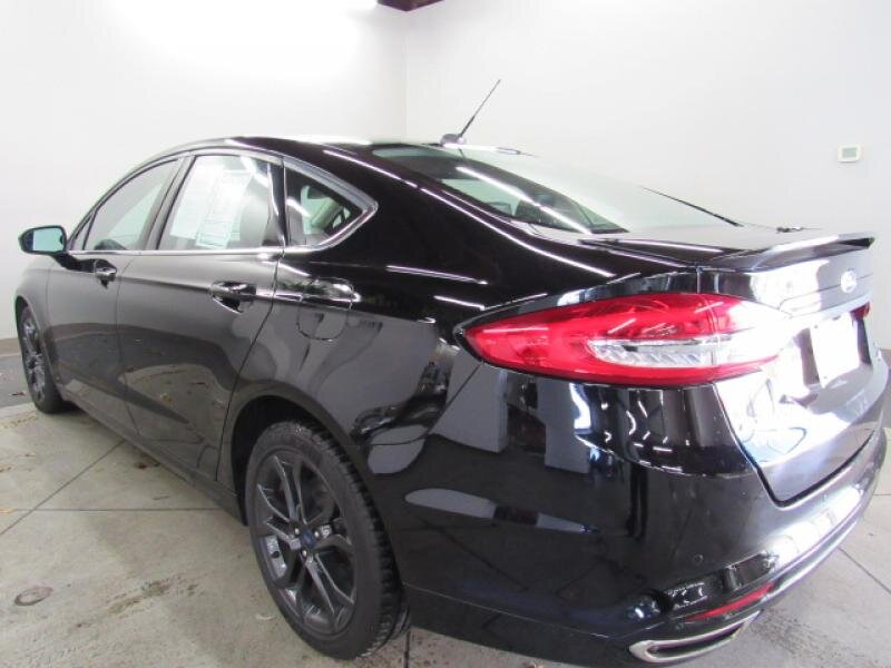 2018 Ford Fusion SE 4 Door 2.0 liter 4 Cylinder Engine Automatic