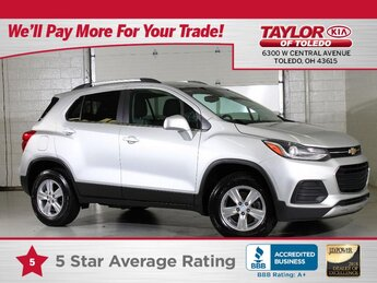 2019 Silver Ice Metallic Chevrolet Trax LT 4 Door AWD 1.4 liter 4 Cylinder Engine