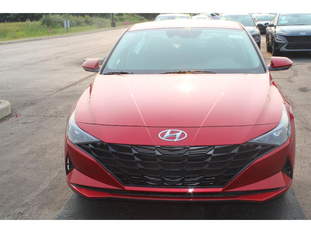 2021 Calypso Red Hyundai Elantra SEL 4 Door FWD Automatic 2.0 liter 4 Cylinder Engine Car