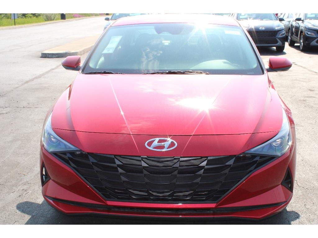2021 Calypso Red Hyundai Elantra SEL Car 4 Door 2.0 liter 4 Cylinder Engine