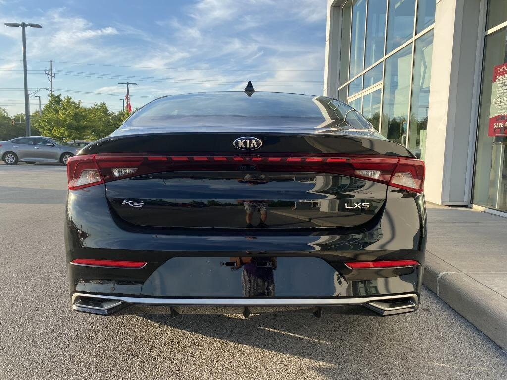 2021 Ebony Black Kia K5 LXS FWD 4 Door 1.6 liter 4 Cylinder Engine