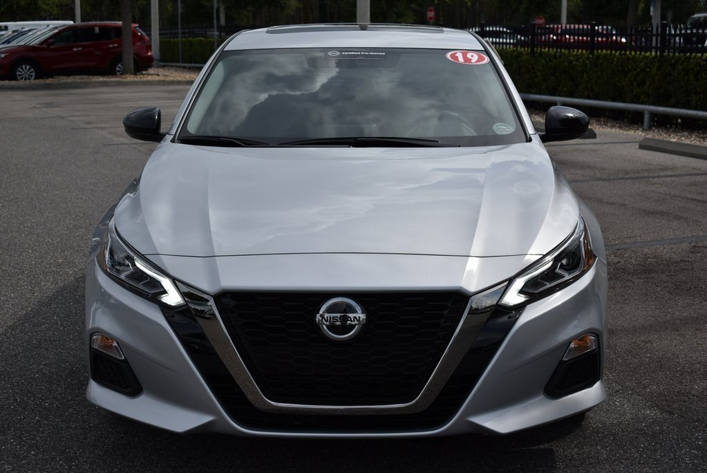 2019 Brilliant Silver Metallic Nissan Altima 2.5 SR FWD Sedan 2.5L 4-Cylinder Engine Automatic (CVT)