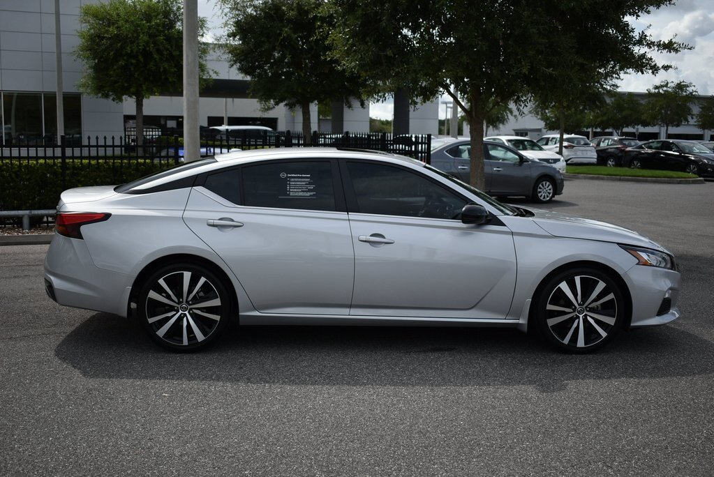 2019 Nissan Altima 2.5 SR Automatic (CVT) 2.5L 4-Cylinder Engine 4 Door Sedan FWD