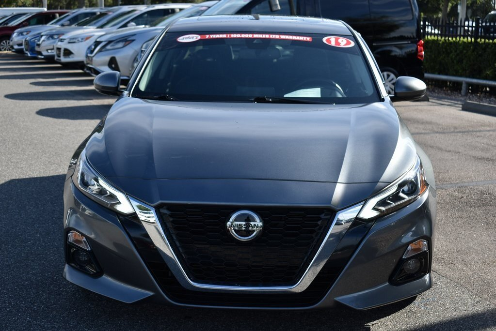 2019 Gun Metallic Nissan Altima 2.5 SL 2.5L 4-Cylinder Engine 4 Door Sedan Automatic (CVT)