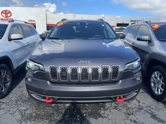 2019 Granite Crystal Metallic Clearcoat Jeep Cherokee Trailhawk 4 Door 4X4 3.2L V6 Engine Automatic