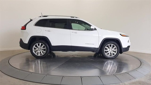 2017 Bright White Clearcoat Jeep Cherokee Limited SUV 4 Door Automatic