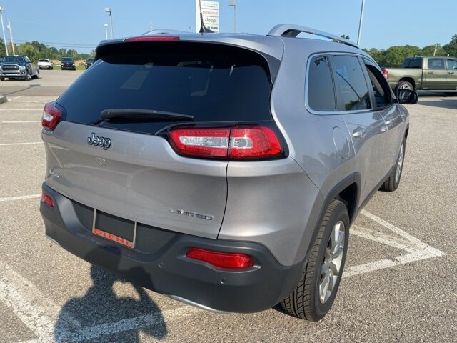 2018 Jeep Cherokee Limited 4X4 SUV 4 Door Automatic 2.4L I4 Engine