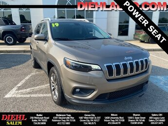 2019 Jeep Cherokee Latitude Plus Automatic 4 Door 4X4