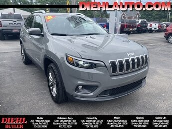 2019 Sting-Gray Clearcoat Jeep Cherokee Latitude Plus 4 Door SUV 2.4L I4 Engine