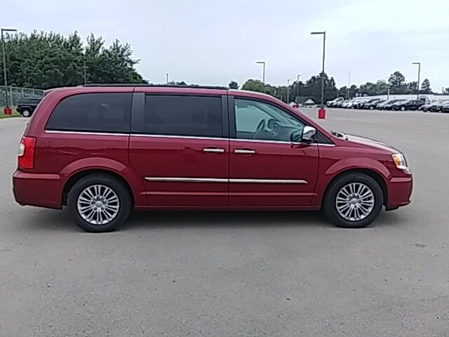 2016 Deep Cherry Red Crystal Pearlcoat Chrysler Town & Country Touring-L Automatic 4 Door 3.6L 6-Cylinder SMPI DOHC Engine Van FWD