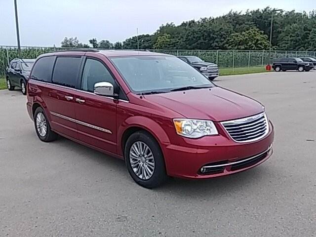 2016 Chrysler Town & Country Touring-L Automatic FWD Van