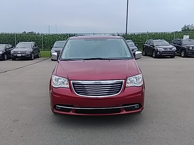 2016 Deep Cherry Red Crystal Pearlcoat Chrysler Town & Country Touring-L FWD 3.6L 6-Cylinder SMPI DOHC Engine 4 Door Van Automatic