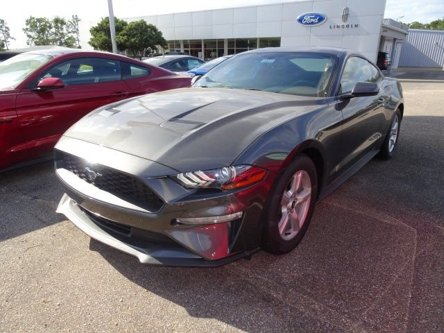 2019 Magnetic Ford Mustang EcoBoost RWD EcoBoost 2.3L I4 GTDi DOHC Turbocharged VCT Engine 2 Door Coupe