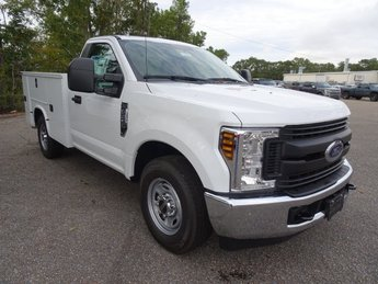 2019 Ford Super Duty F-250 SRW XL 2 Door Automatic RWD 6.2L SOHC Engine