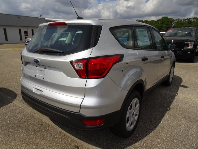 2019 Ingot Silver Ford Escape S 2.5L iVCT Engine 4 Door FWD SUV