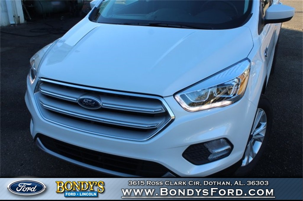 2019 White Platinum Clearcoat Metallic Ford Escape SEL SUV FWD 4 Door