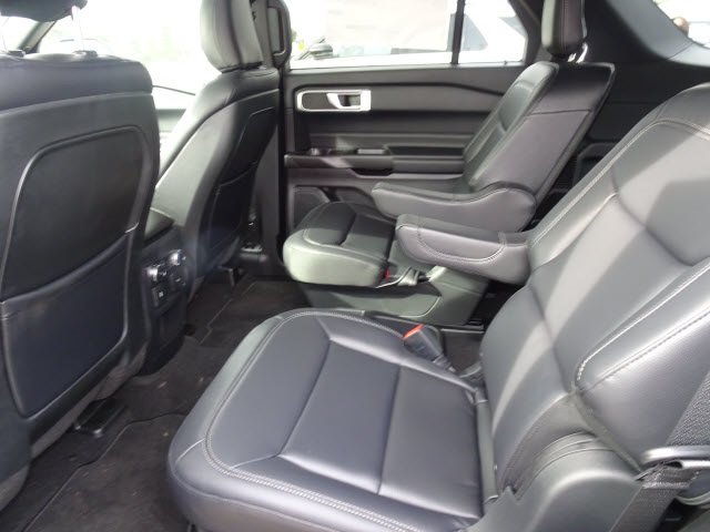 2020 Silver Metallic Ford Explorer XLT Automatic RWD 4 Door SUV