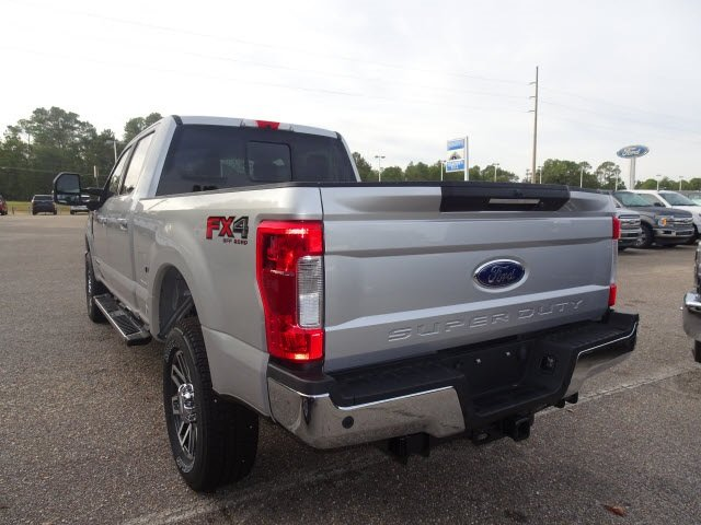 2019 Ford Super Duty F-250 SRW Lariat 4X4 Automatic 4 Door Power Stroke 6.7L V8 DI 32V OHV Turbodiesel Engine