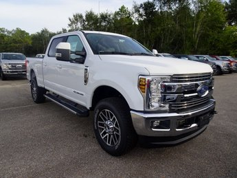 2019 Oxford White Ford Super Duty F-250 SRW Lariat Power Stroke 6.7L V8 DI 32V OHV Turbodiesel Engine Automatic 4X4 Truck 4 Door