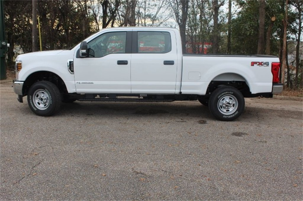 2019 Ford Super Duty F-250 SRW XL Power Stroke 6.7L V8 DI 32V OHV Turbodiesel Engine 4 Door Automatic