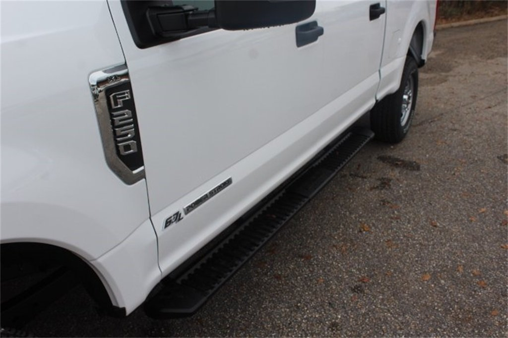 2019 Ford Super Duty F-250 SRW XL Power Stroke 6.7L V8 DI 32V OHV Turbodiesel Engine Automatic 4X4 Truck 4 Door