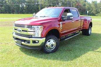 2019 Ford Super Duty F-350 DRW LARIAT 4 Door Automatic Power Stroke 6.7L V8 DI 32V OHV Turbodiesel Engine 4X4 Truck