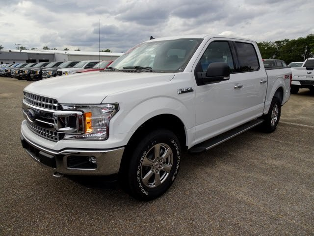 2019 Oxford White Ford F-150 XLT 4 Door 4X4 Truck