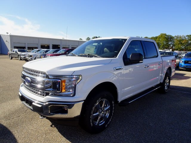 2019 Oxford White Ford F-150 XLT 4 Door Automatic 4X4