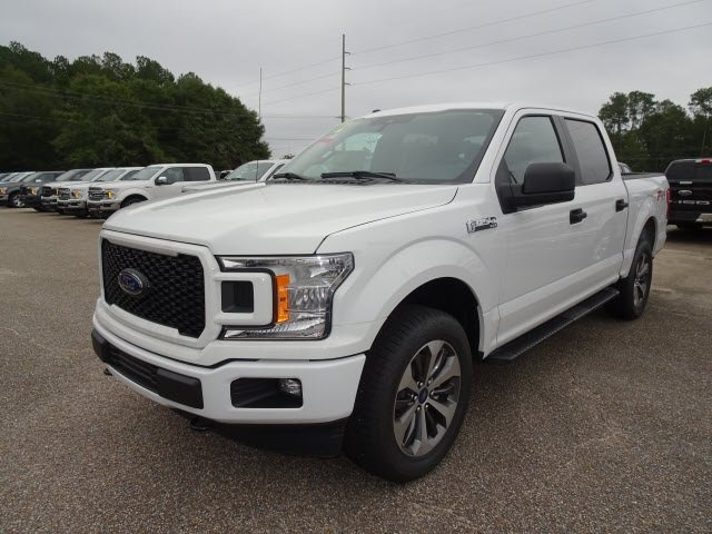 2019 Oxford White Ford F-150 XL 4 Door 4X4 Automatic