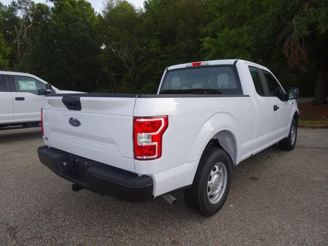 2019 Oxford White Ford F-150 XL 3.3L V6 Ti-VCT 24V Engine 4 Door RWD Truck Automatic