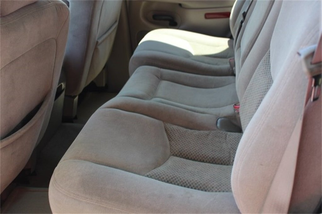 2006 Summit White Chevy Tahoe LS RWD SUV 4 Door