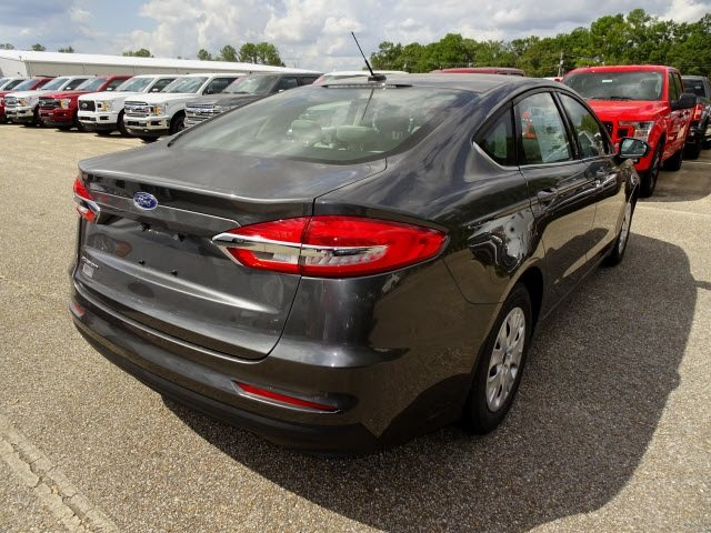 2019 Magnetic Ford Fusion S Sedan 4 Door 2.5L i-VCT Engine FWD