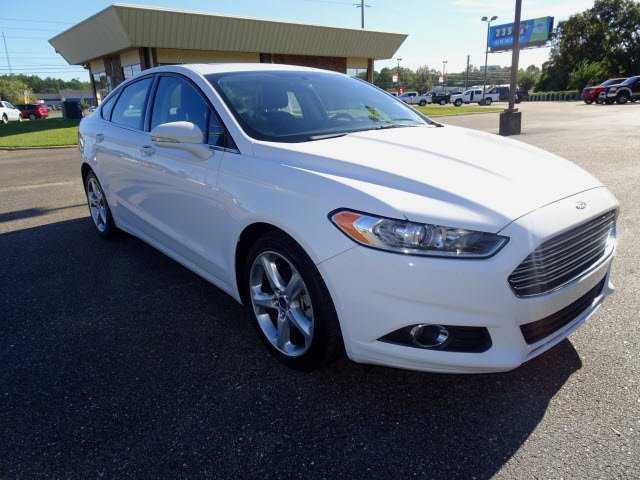 2016 Ford Fusion SE FWD 4 Door Automatic