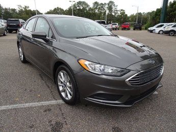2017 Ford Fusion SE Sedan FWD 4 Door Automatic 2.5L iVCT Engine