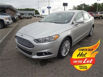 2016 Ford Fusion SE Sedan EcoBoost 2.0L I4 GTDi DOHC Turbocharged VCT Engine Automatic FWD 4 Door