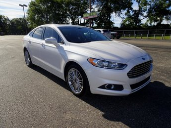 2016 White Platinum Metallic Tri-Coat Ford Fusion SE Automatic EcoBoost 2.0L I4 GTDi DOHC Turbocharged VCT Engine Sedan FWD 4 Door