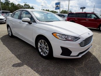2019 Oxford White Ford Fusion SE EcoBoost 1.5L I4 GTDi DOHC Turbocharged VCT Engine FWD 4 Door Automatic Sedan