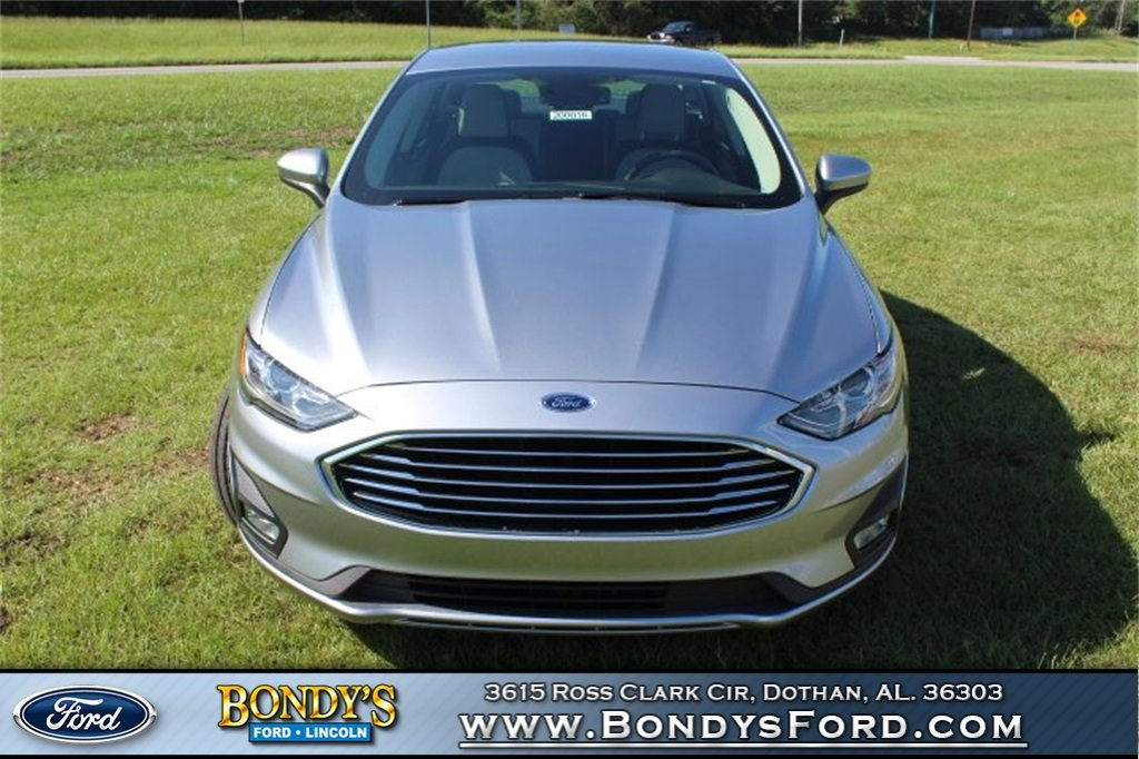 2020 Silver Metallic Ford Fusion SE 4 Door EcoBoost 1.5L I4 GTDi DOHC Turbocharged VCT Engine Automatic Sedan