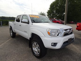 2015 Super White Toyota Tacoma PreRunner 4 Door Automatic RWD