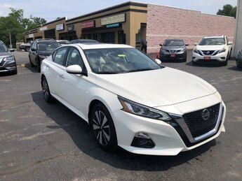 2019 Nissan Altima 2.5 SV AWD Sedan 4 Door