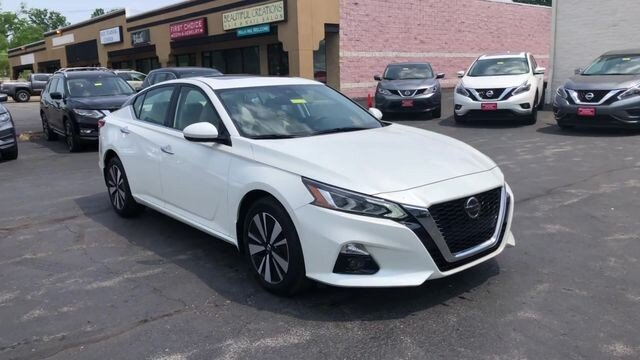 2019 Pearl White Tricoat Nissan Altima 2.5 SV AWD Sedan 4 Door