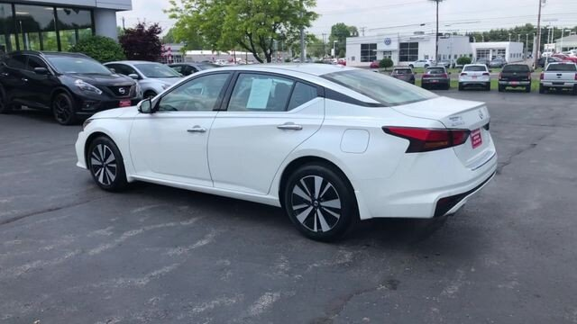 2019 Pearl White Tricoat Nissan Altima 2.5 SV 4 Door 2.5L 4-Cyl Engine AWD