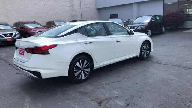 2019 Pearl White Tricoat Nissan Altima 2.5 SV AWD 2.5L 4-Cyl Engine Sedan 4 Door